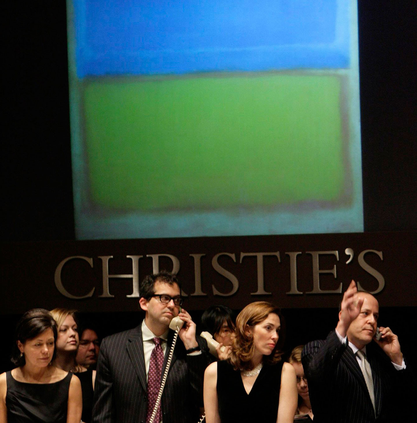 Chritstie's auctioneers vend a Mark Rothko painting.